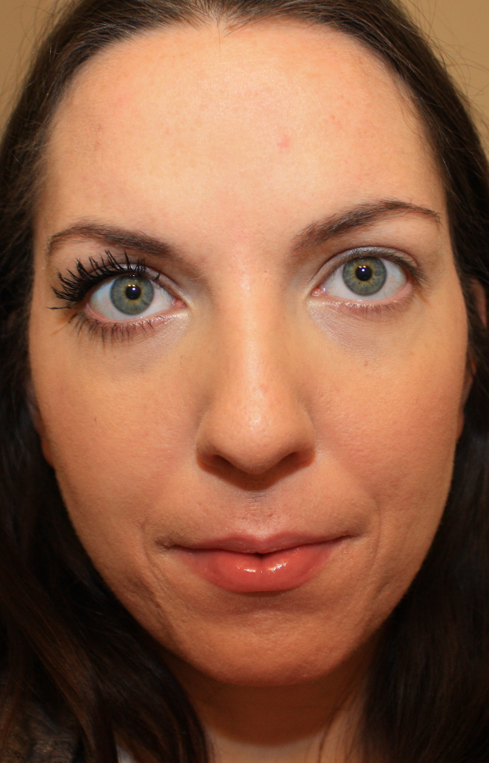 how to avoid mascara smudge under eyes