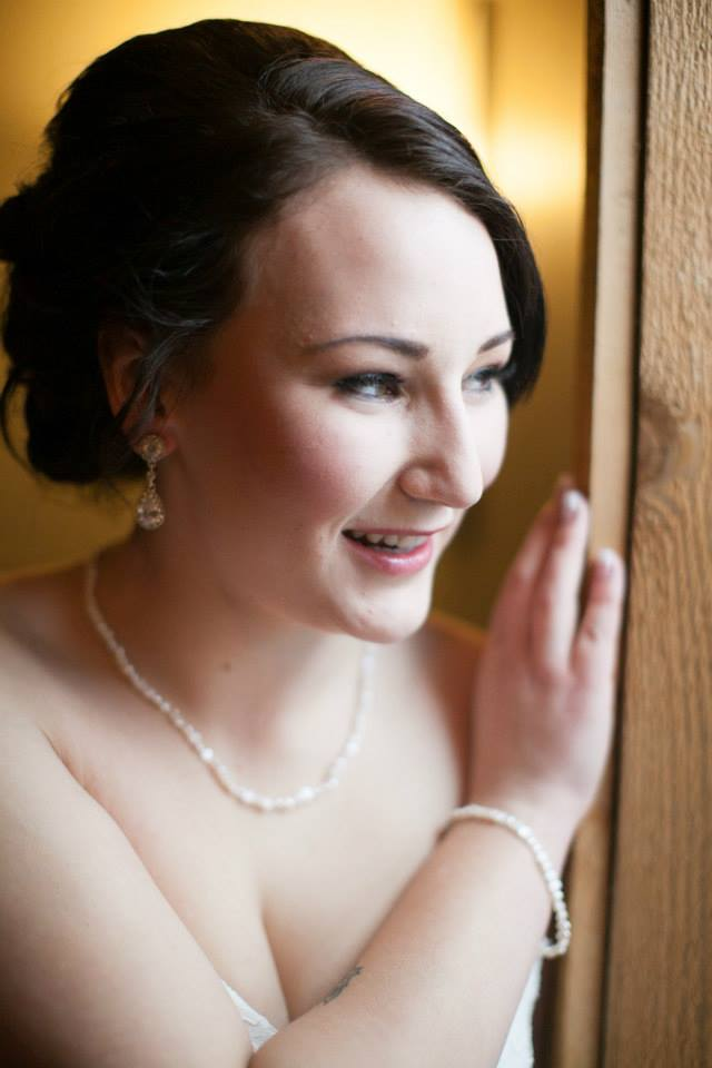 bridal mobile makeup and hair stylist
