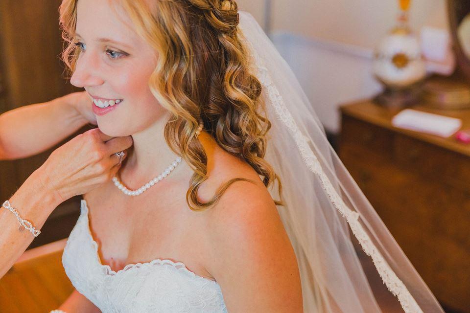 white wedding chapel greendale makeup artist