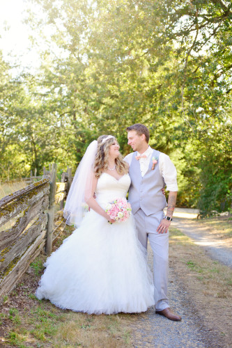 aldergrove bride and groom
